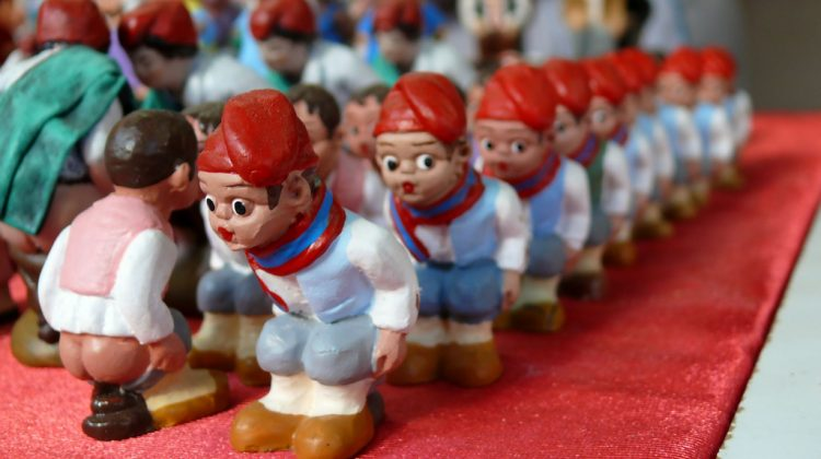 Caganers in shop. Photo by Oriol Gascon.