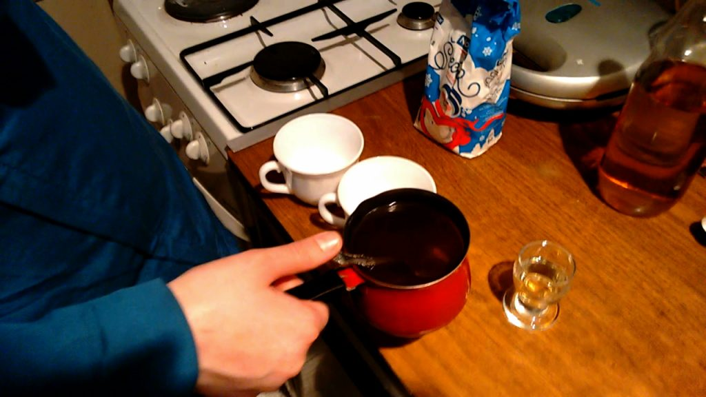 kuvana rakija serbian mulled brandy preparation